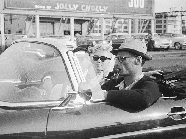 Marilyn-Monroe-ford-thunderbird-and-arthur-wedding.jpg