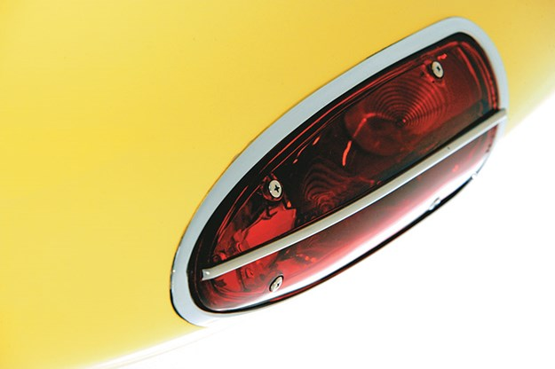 chevrolet-corvette-tail-light.jpg