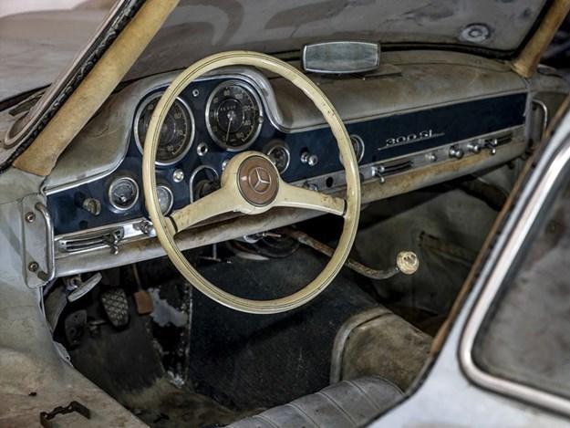 Barn-find-300SL-chassis-43-interior.jpg
