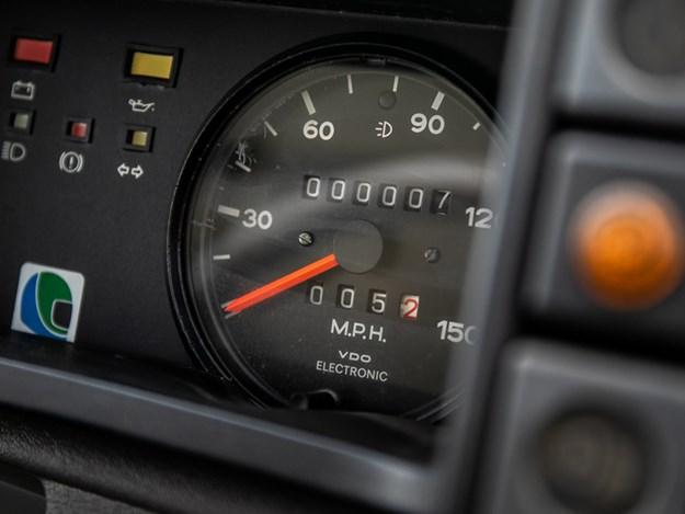 NOS-Metro-6R4-odometer.jpg