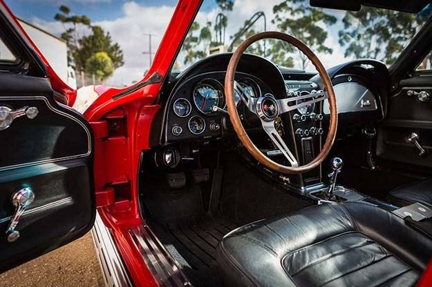 corvette-c2-interior.jpg