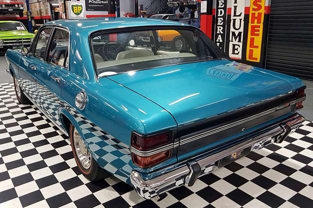 ford-falcon-xy-gt-tribute-rear.jpg