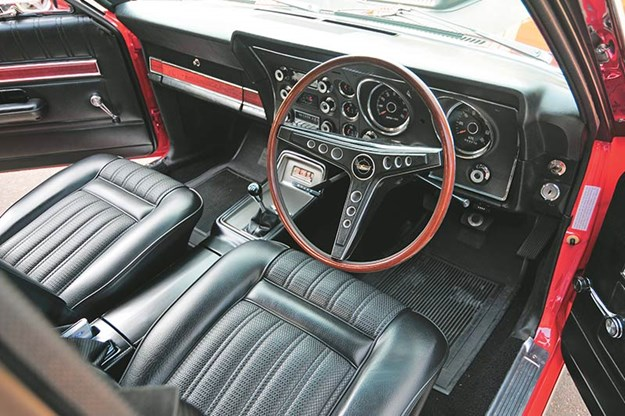 ford-falcon-xy-gtho-interior.jpg