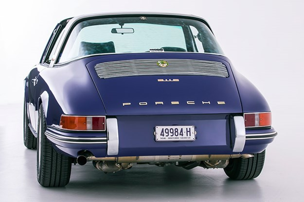 porsche-911-rear-5.jpg
