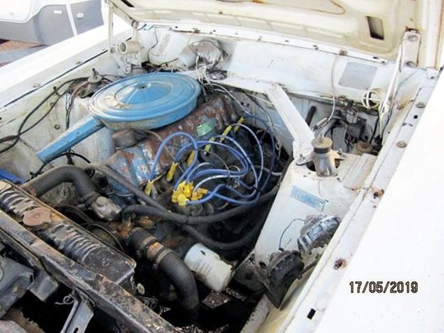 XY-Fairmont-4x4-engine.jpg