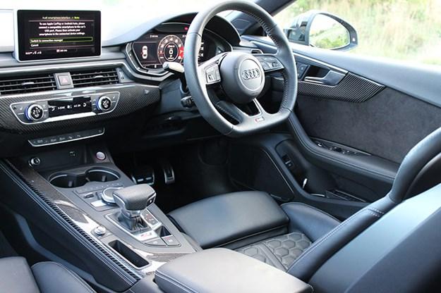 audi-rs5-interior-3.jpg