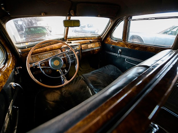 Zis115-interior.jpg