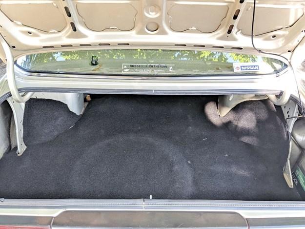 Nissan-Bluebird-interior-boot.jpg