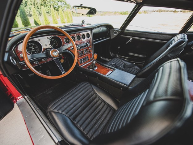 Toyota-2000GT-for-auction-interior.jpg
