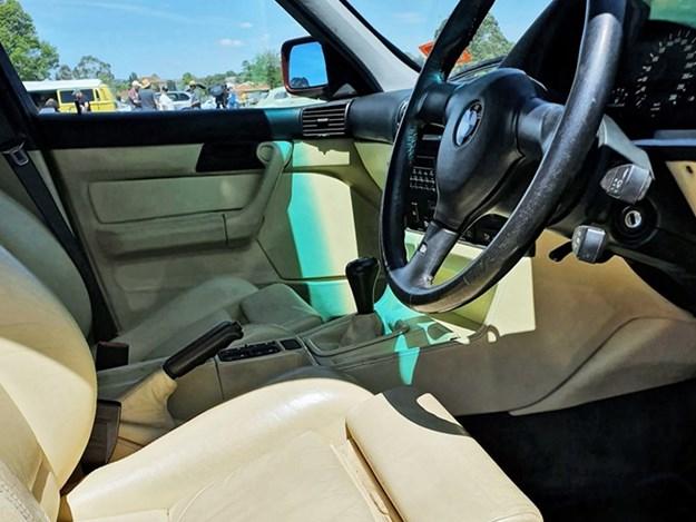 BMW-e34-M5-interior.jpg