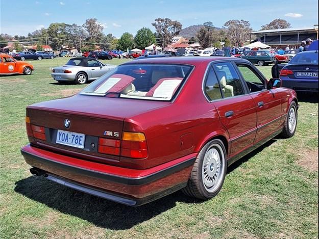 BMW-e34-M5-rear.jpg
