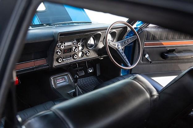 ford-xy-falcon-gtho-replica-interior.jpg