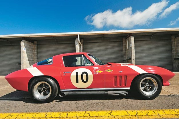 peter-brock-corvette-11.jpg