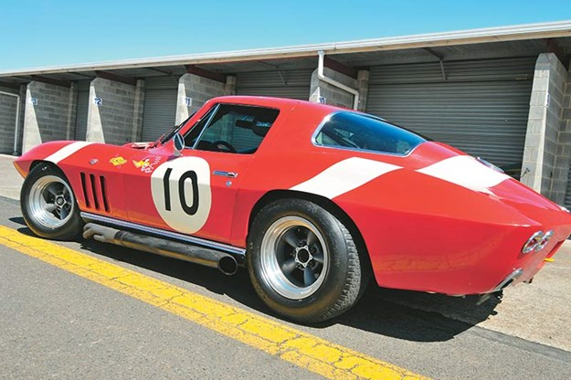 peter-brock-corvette-8.jpg