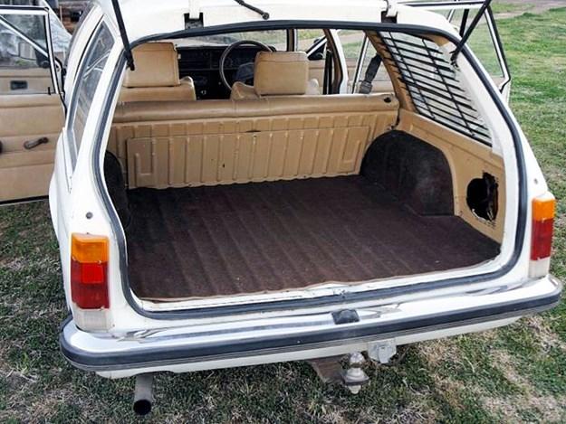 VH-SL-Tempter-rear-boot.jpg