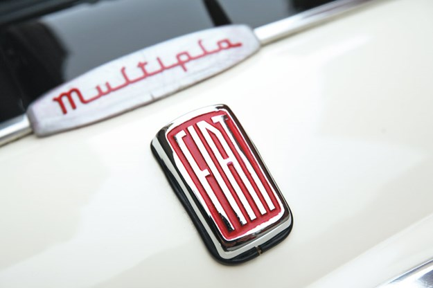 fiat-multipla-badge.jpg