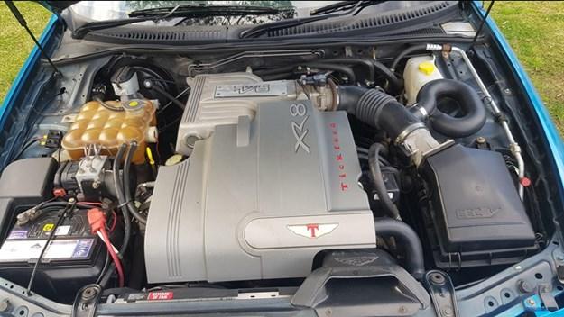 AUIII-XR8-Falcon-engine.jpg