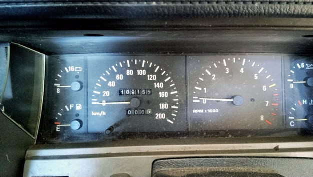 Nissan-Skyline-R31-odo.jpg