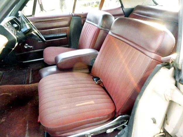 Dodge-Phoenix-interior-front.jpg