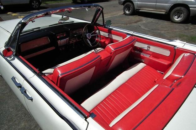 Lincoln-Continental-interior.jpg