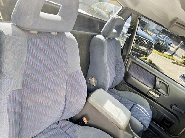 XH-XR6-ute-interior.jpg