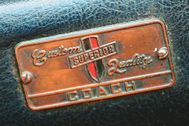studebaker-hearse-badge.jpg