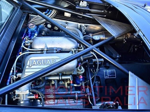 Jaguar-XJ220-engine.jpg