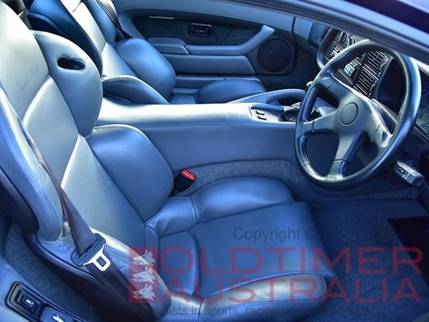 Jaguar-XJ220-interior.jpg