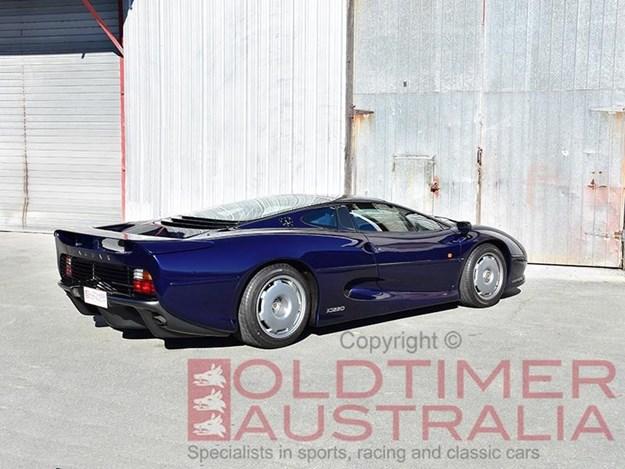 Jaguar-XJ220-rear-side.jpg