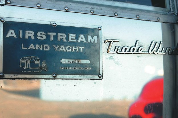airstream-caravan-plate-3.jpg