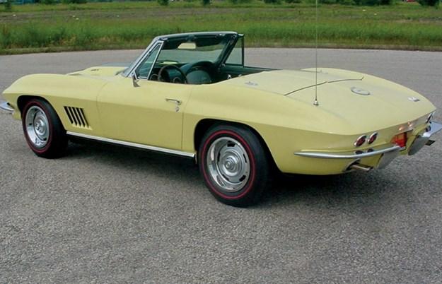 chev-corvette-convertible.jpg