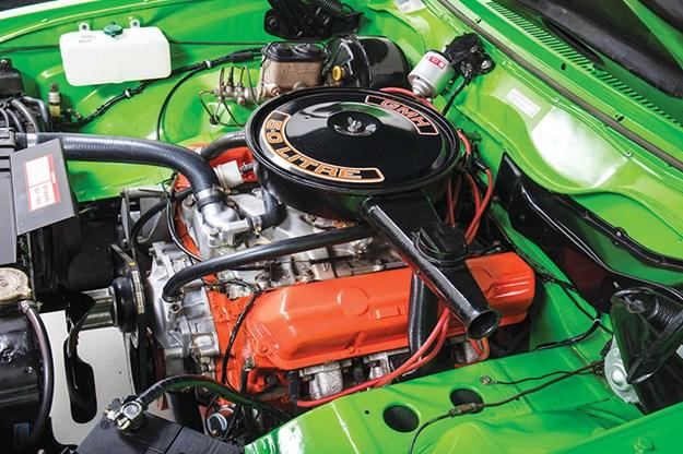 holden-torana-lx-hatch-engine-bay.jpg