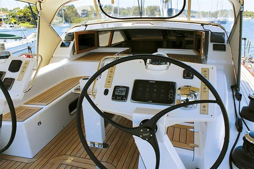 Buizen 52 helm and wheel