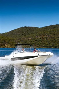 Bayliner 190 Deck Boat ride