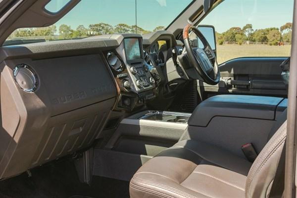 6242_2014 Ford F-350 Super Duty _interior