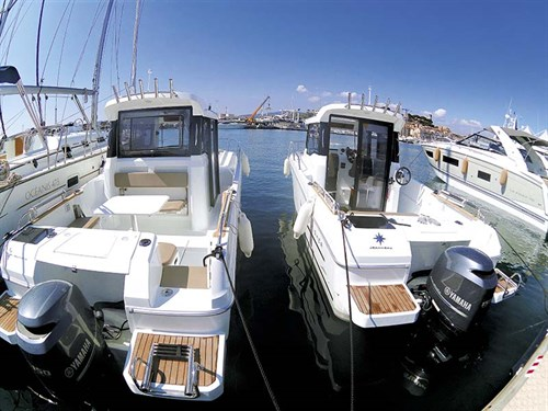 Jeanneau Merry Fisher single and twin doors
