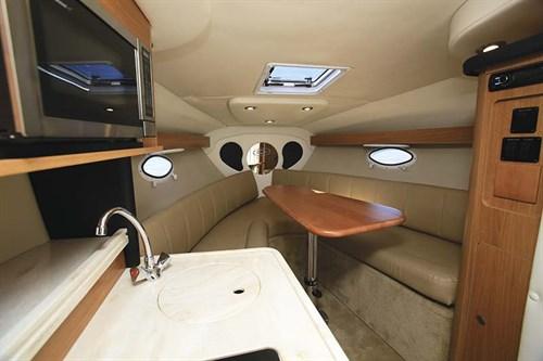 Rinker 260 EC cabin