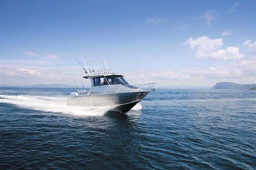 Surtees 750-Gamefisher on the water