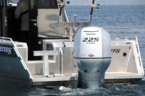 Surtees 750 Honda outboard