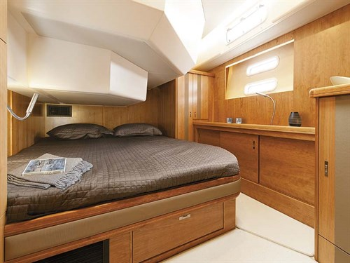 VIP cabin on Moody 54 DS