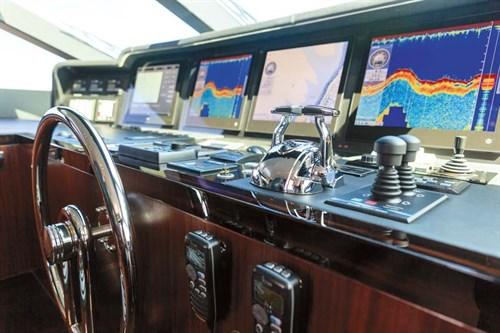 Helm on Horizon RP110 superyacht
