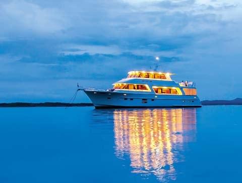 Hampton 720 motoryacht