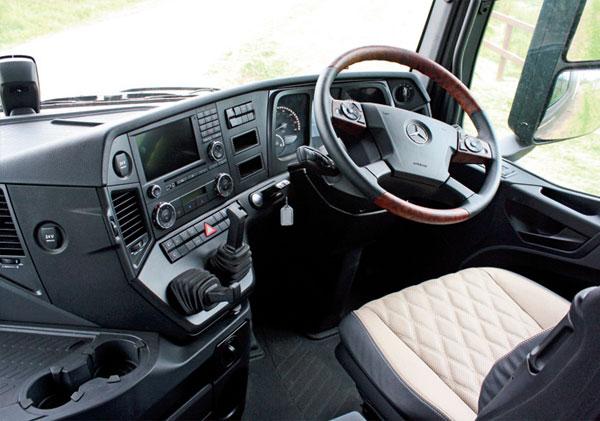 Mercedes -Benz ,-Arocs ,-review ,-ATN9