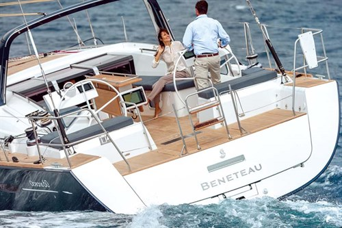 Beneteau Oceanis 60 hull