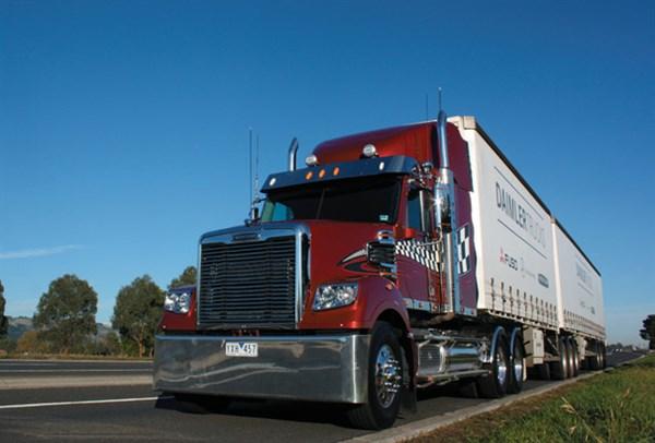 Freightliner ,-Coronado -114,-truck ,-review ,-ATN5