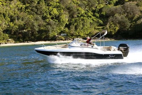 Scout 210 Dorado dual console boat