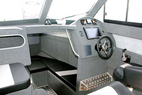 Cockpit on Profile 780HW
