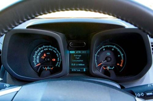 Holden Colorado 7 LTZ dash