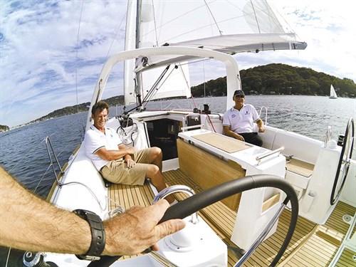 Beneteau Oceanis 35 cockpit