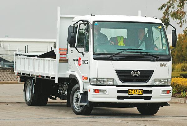 UD-Trucks ,-MK6-auto -tilt ,-tip ,-TT3